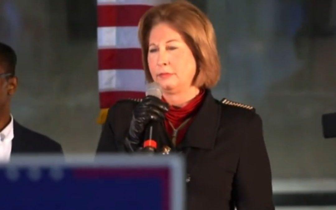 US-Wahl-Generalversammlung zeigt Koffer mit Stimmzetteln Wahlbetrug?!